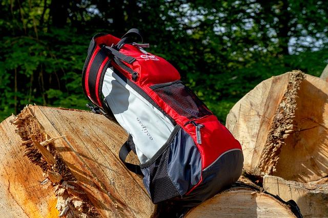 Reklamní cestovní kufry a tašky, batohy a jiná zavazadla