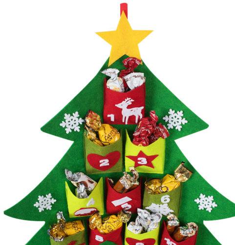 Adventní kalendář ve tvaru vánočního stromku